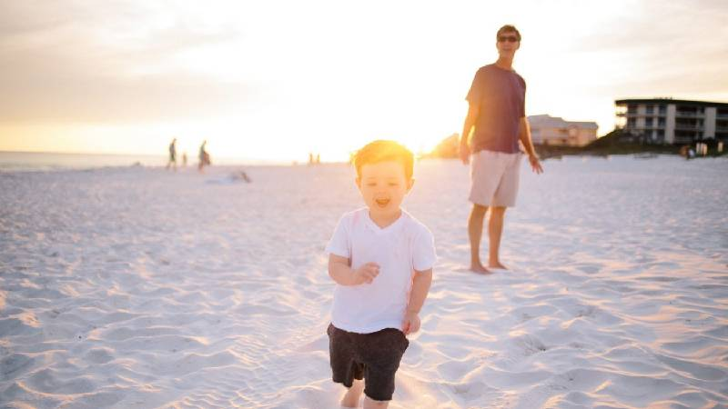 Витамин Д детям на солнце
